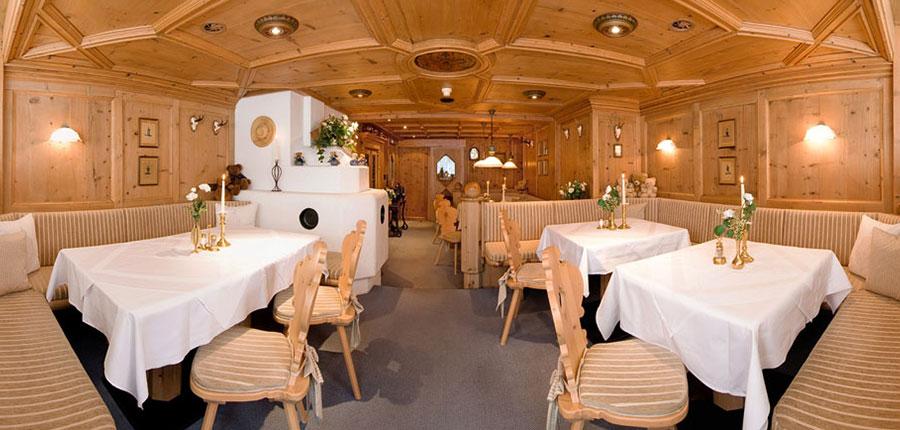 Hotel Jenewein, Obergurgl, Austria - stube.jpg